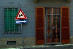 Ventanas urbanas Imagen de archivo libre de regalías
