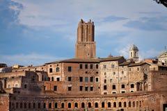Ventanas viejas hermosas en Roma (Italia) D3ia del mercado de Trajan fotografía de archivo