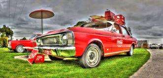 ventas de Ford Coca Cola de los años 70 y carro de la gasolinera Imágenes de archivo libres de regalías