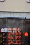 Ventas en tienda de la ropa Fotos de archivo libres de regalías