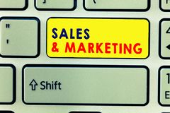 Ventas y márketing de la escritura del texto de la escritura Significado del concepto que vende el planeamiento sistemático del p foto de archivo libre de regalías