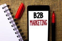 Vente de B2B des textes d'écriture Concept signifiant le commerce d'entreprise à entreprise de transactions commerciales écrit au Image libre de droits