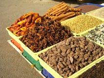Vente des épices de l'Inde Photo libre de droits