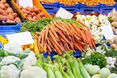 Vente des légumes et du fruit Image libre de droits