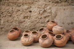 Vente du potery dans Fatehpur Photos stock