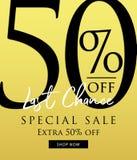 Vente spéciale conception de titre de 50 pour cent sur le fond d'or jaune Photos stock