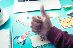 Vente virale, media social, concepts de marketing en ligne Photographie stock