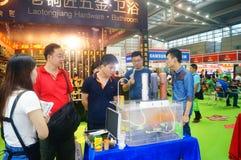 Ventes d'exposition des dispositifs de purification d'eau photographie stock libre de droits