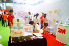 Ventes d'exposition des dispositifs de purification d'eau photographie stock