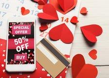 Ventes d'Internet de Saint Valentin et achats en ligne Photographie stock