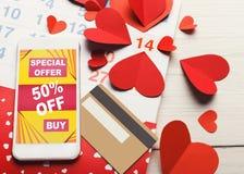 Ventes d'Internet de Saint Valentin et achats en ligne Photos stock