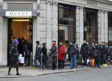 Ventes de lendemain de Noël sur la rue en esclavage, Londres Image stock