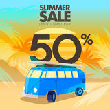 Ventes, remises et offres d'autobus d'été Photographie stock libre de droits