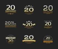 ventesimo insieme di logo di celebrazione di anniversario insegna di giubileo di 20 anni illustrazione di stock