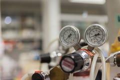 Ventil des Stickstoffbehälters lizenzfreies stockfoto