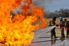 Ventil på brand med höga flammor Royaltyfria Bilder