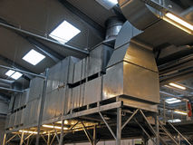 Ventilación industrial de la HVAC de la planta de fábrica Foto de archivo libre de regalías