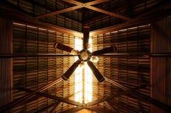 Ventilador de techo del viejo estilo Imagen de archivo libre de regalías