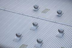 Ventilador do ar do metal no telhado Fotos de Stock