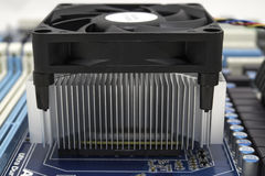 Ventilador y radiador en procesador Imagen de archivo