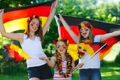 Ventiladores de fútbol alemanes al aire libre Fotos de archivo libres de regalías