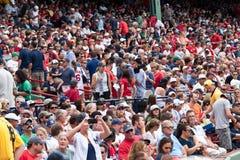 Ventiladores de Red Sox/de los yanquis en el parque de Fenway Fotografía de archivo