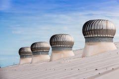 Ventiladores do telhado de uma fábrica industrial fotos de stock