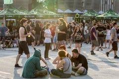 Ventiladores en el Fest verde de Tuborg Foto de archivo