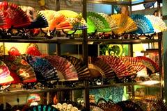 Ventiladores espanhóis em uma loja Fotos de Stock Royalty Free