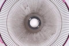 Ventilateur électrique sale sur le fond blanc Photographie stock