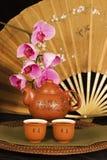 Ventilateur chinois de théière et de soie Photo libre de droits