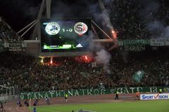 Ventilateurs de Panathinaikos - l'UEFA Champions League Photo libre de droits