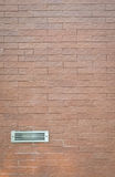 ventilator op bakstenen muur Stock Fotografie