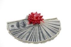 Ventilatore dei soldi del regalo sopra bianco. immagini stock libere da diritti