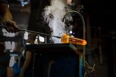 Ventilatore di vetro che forma pezzo di vetro, raffreddamento ad acqua immagine stock