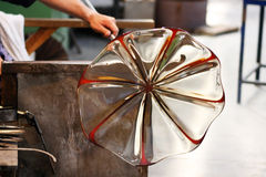 Ventilatore di vetro sul suo lavoro immagini stock libere da diritti