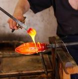 Ventilatore di vetro sul suo lavoro immagini stock