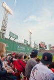 ventilatorer spelar den Red Sox watchen Arkivbilder