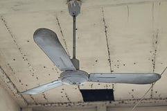 Ventilatori da soffitto vecchi ed isola della polvere Fotografie Stock Libere da Diritti