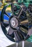 Ventilatorpropeller op aandrijvingssysteem bij de fabriek Stock Afbeelding