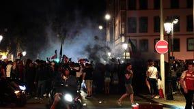 Ventilators die kwalificatieoverwinning van Frankrijk voor definitief FIFA vieren stock video