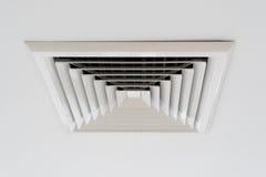 Ventilazione del soffitto dello stato dell'aria Immagine Stock Libera da Diritti