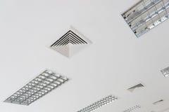 Ventilazione del soffitto dello stato dell'aria Fotografie Stock