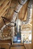 Ventili l'unità dell'operatore in un in costruzione domestico suburbano Fotografia Stock Libera da Diritti