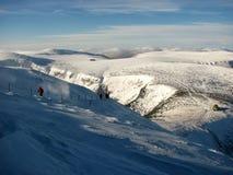 Ventiscas y agitación del invierno en las montañas Fotografía de archivo