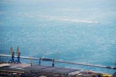 vento Bora da Vendaval-força, Trieste, Itália Parte-vista imagens de stock