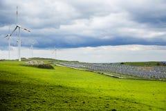 Vento e fotovoltaico Imagens de Stock