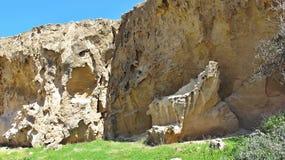 Vento e litorali erosi mare Cipro del sud fotografia stock