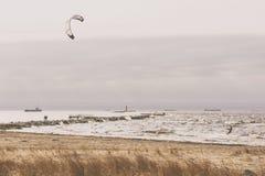 Vento sul Mar Baltico alla bocca del fiume fotografia stock