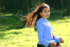 vento in suoi capelli fotografie stock